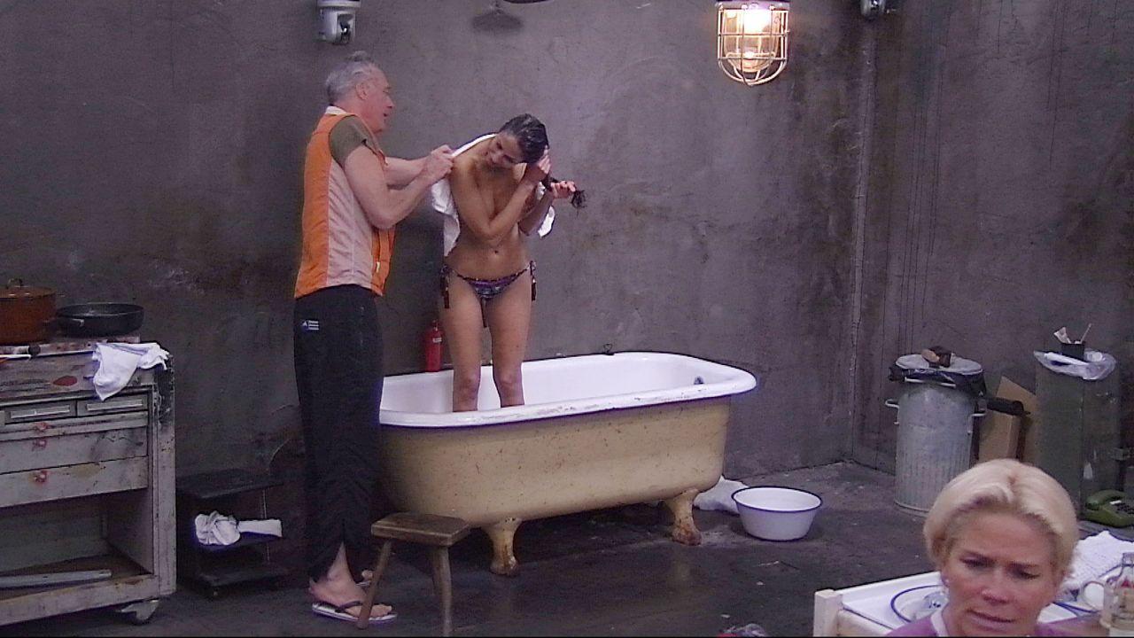 Schill_Janina dusch6