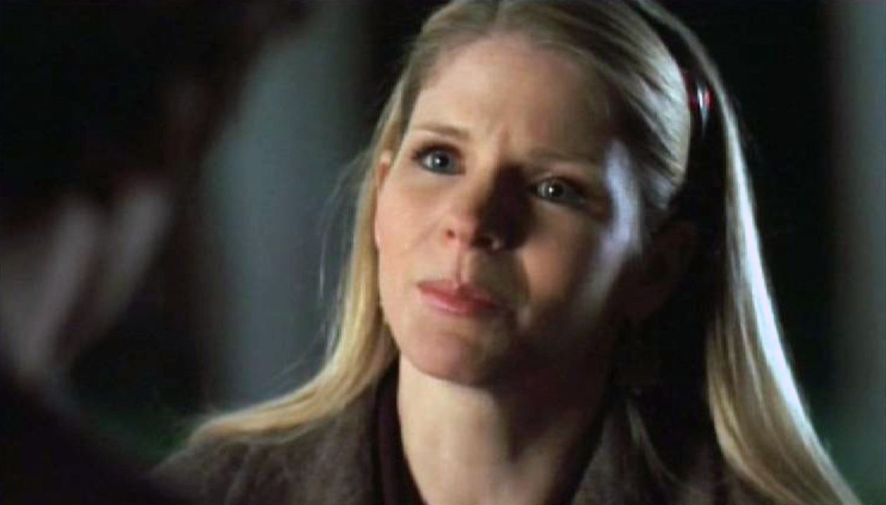 Rachel (Kelli O'Hara) war schon früher wunderlich und leidet jetzt offenbar unter Verfolgungswahn. Sie informiert Charlie darüber, dass fünf ihre... - Bildquelle: Paramount Network Television