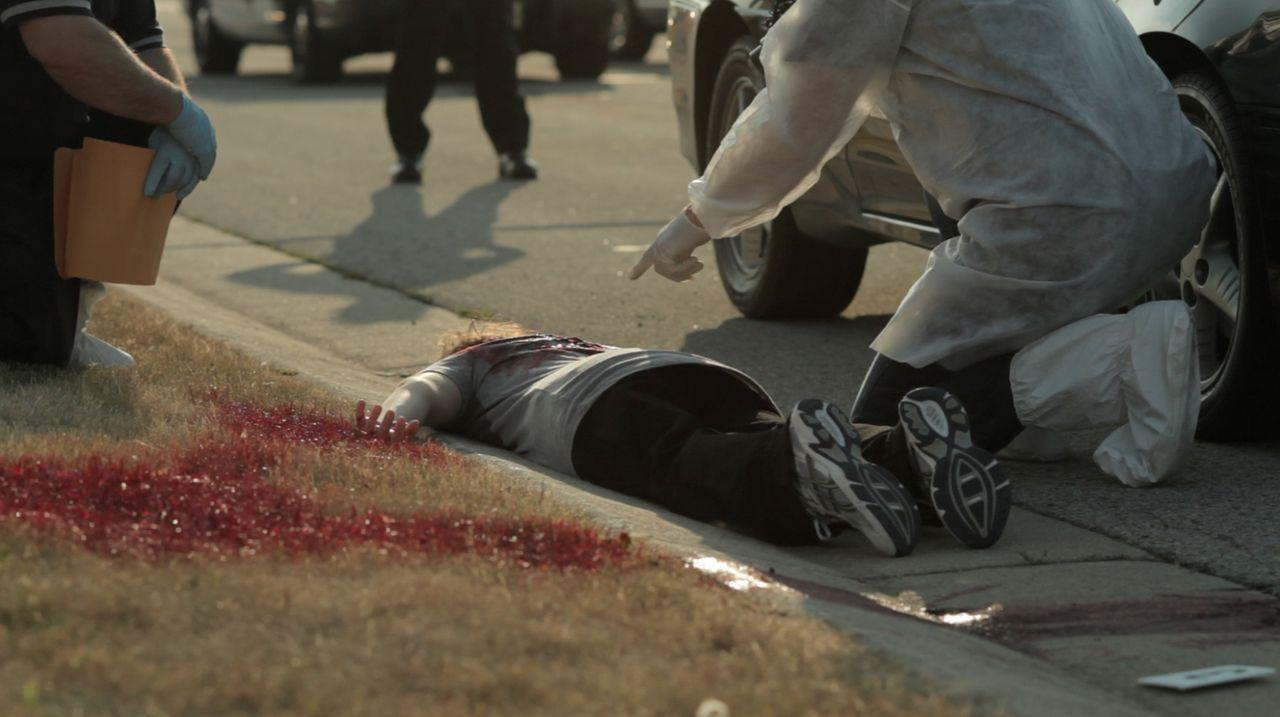 Im Jahr 1999 wird die blutüberströmte Leiche von Theresa Wesolowski aus Germantown, Wisconsin gefunden. Sie wurde mit 46 Stichen brutal getötet. Doc... - Bildquelle: LMNO Cable Group