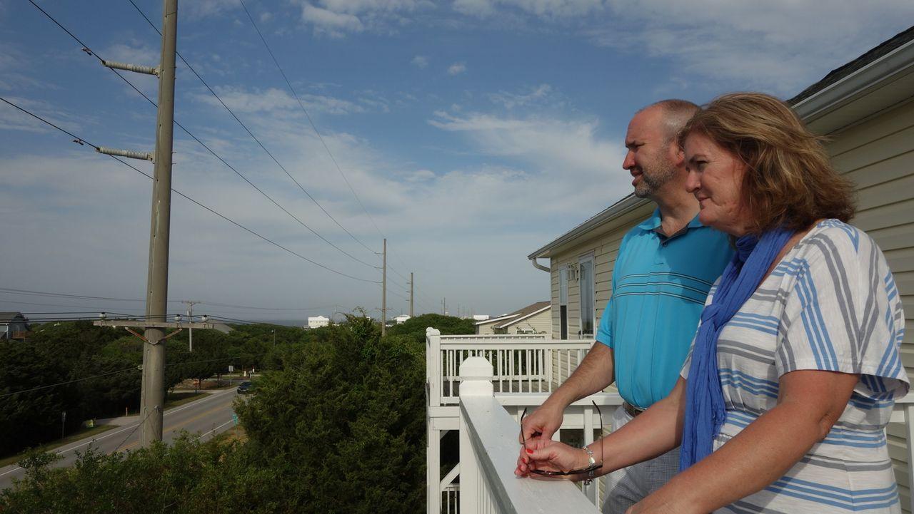 Debra und Beau lieben es, ihre Freizeit draußen zu verbringen. Dafür fehlt i... - Bildquelle: 2014, HGTV/Scripps Networks, LLC. All Rights Reserved.
