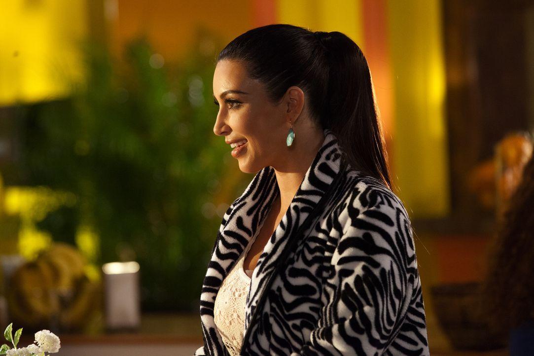 """""""Beziehungsguru"""" Nikki LaPree (Kim Kardashian) will Stacy dabei helfen, Fred zurückzuerobern ... - Bildquelle: 2012 Sony Pictures Television Inc. All Rights Reserved."""