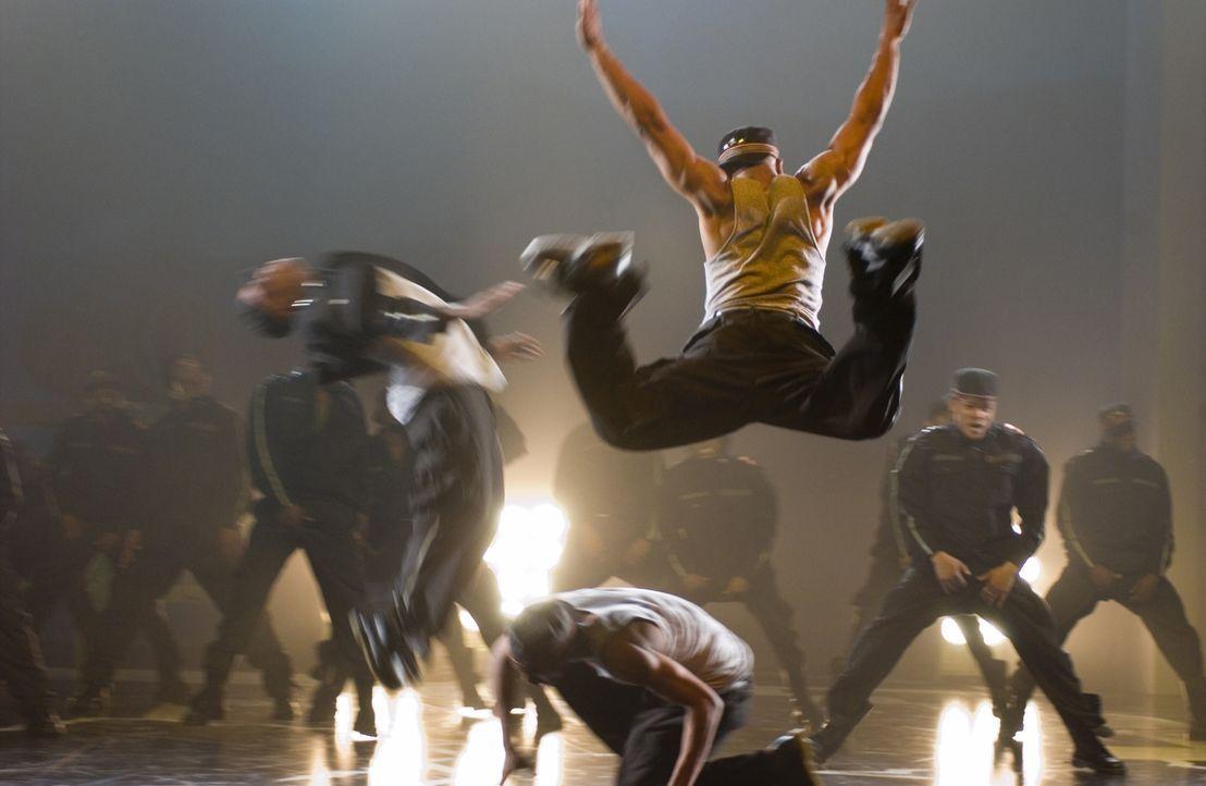 Nach dem Tod seines Bruders lässt der Street Dancer DJ Los Angeles hinter sich und versucht, sein Leben in geordnete Bahnen zu bringen. Voller guter... - Bildquelle: 2007 CPT Holdings, Inc. All Rights Reserved. (Sony Pictures Television International)
