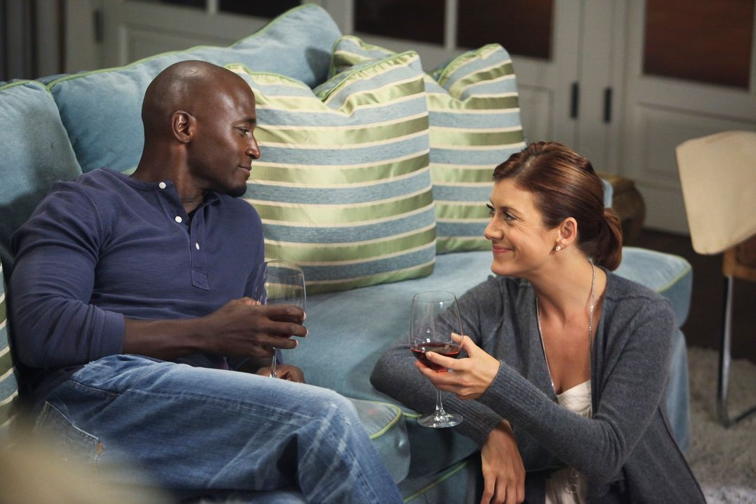 Sam (Taye Diggs, l.) ist für Addison (Kate Walsh, r.) da ... - Bildquelle: ABC Studios