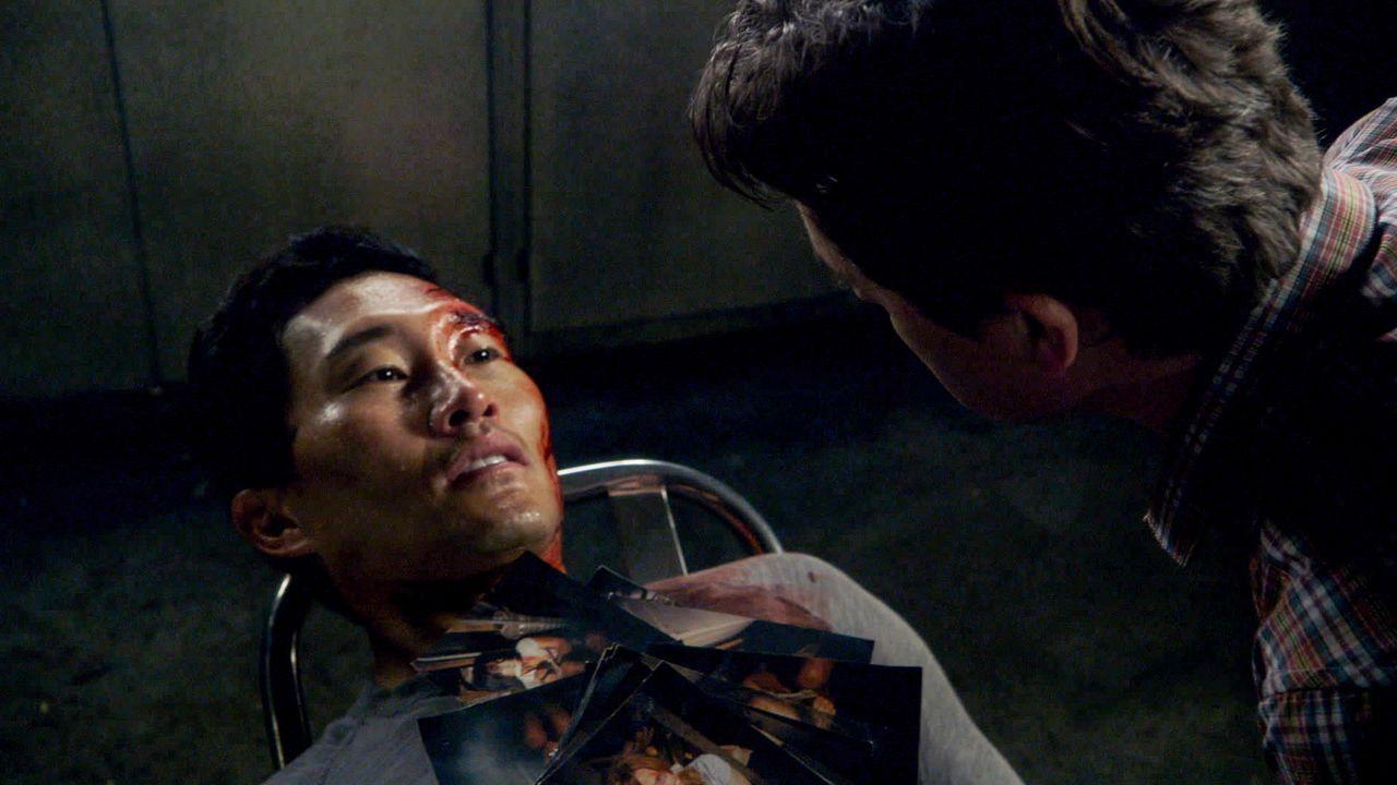 Im Laufe der Ermittlungen gerät Chin (Daniel Dae Kim, l.) in Lebensgefahr und muss brutalen Foltermethoden über sich ergehen lassen ... - Bildquelle: 2013 CBS BROADCASTING INC. All Rights Reserved.