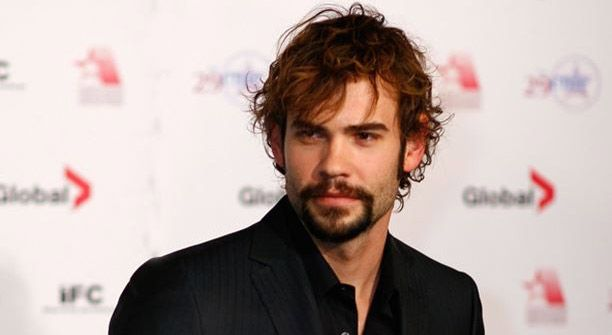 Rossif Sutherland in Reign - Bildquelle: 2014 The CW Network