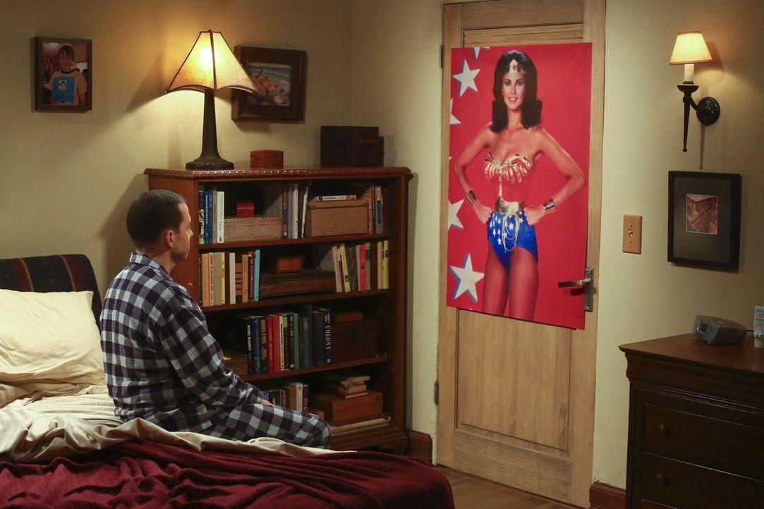Wird Alan (Jon Cryer) je eine Frau kennenlernen, die wie sein Schwarm Lynda Carter ist? - Bildquelle: Warner Bros. Television