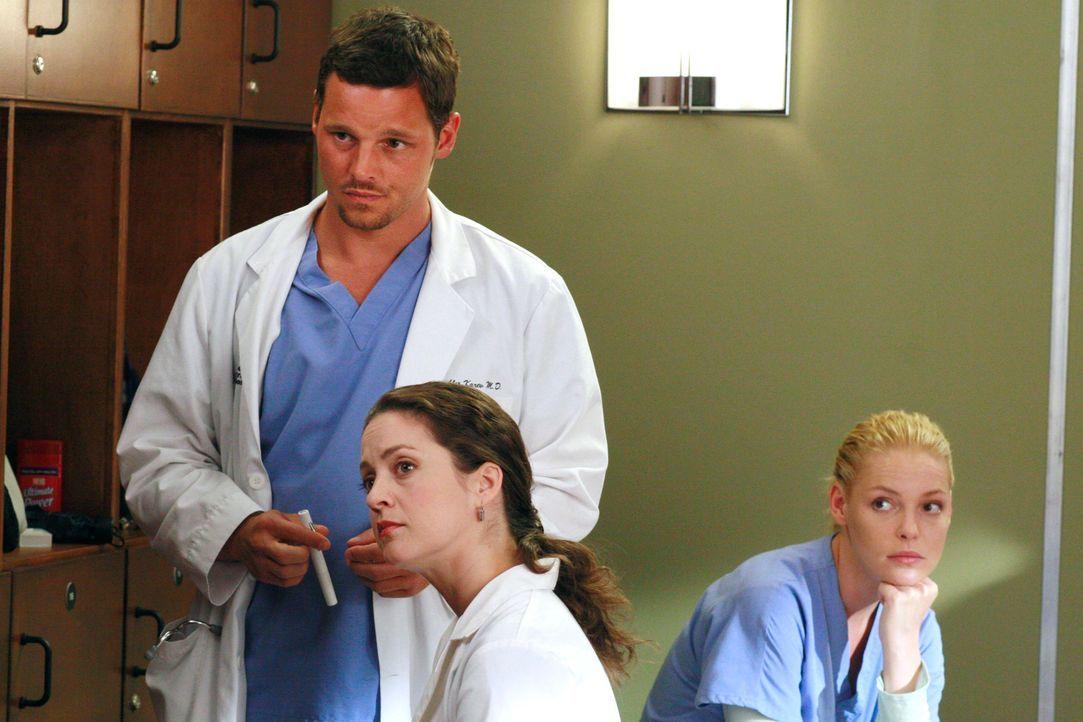 Erleben einige Überraschungen: Alex (Justin Chambers, l.), Dr. Sydney Heron (Kali Rocha, M.) und Izzie (Katherine Heigl, r.) ... - Bildquelle: Touchstone Television