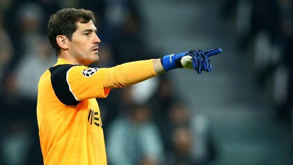 Iker Casillas verlängert um ein Jahr beim FC Porto - Bildquelle: PIXATHLONPIXATHLONSID