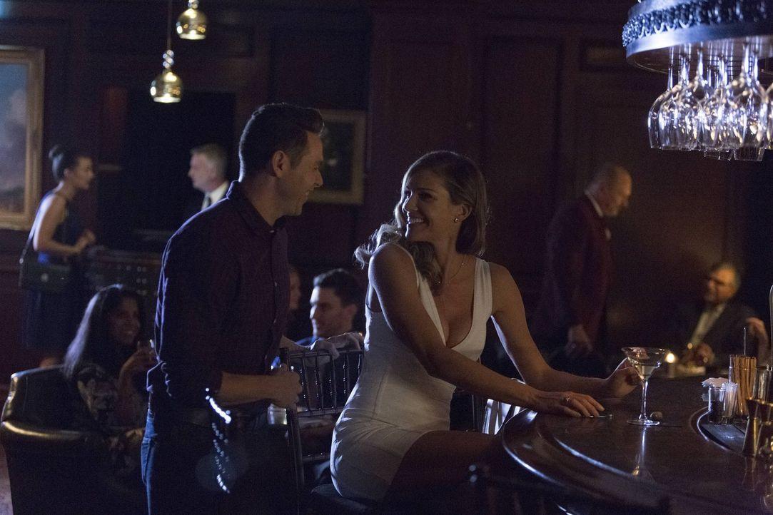 Charlotte (Tricia Helfer, r.) fast einen Plan, um Lucifer so sehr zu verärgern, dass er die Erde verlassen will. Zieht sie auch Dan (Kevin Alejandro... - Bildquelle: 2016 Warner Brothers
