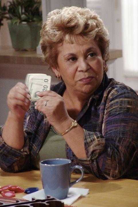 Als Gabrielle erfährt das ihre Schwiegermutter Junita (Lupe Ontiveros) früher dem Glücksspiel verfallen war, plant sie eine Gemeinheit ... - Bildquelle: Touchstone Pictures