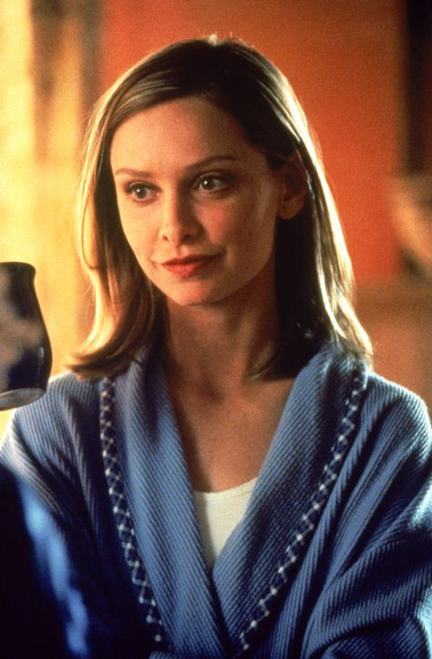 Ally (Calista Flockhart) arbeitet an einem besonders skurrilen Fall: Bernie Gilson verklagt das Krankenhaus, da es abgelehnt hat, sein gesundes Herz... - Bildquelle: Twentieth Century Fox Film Corporation. All rights reserved.