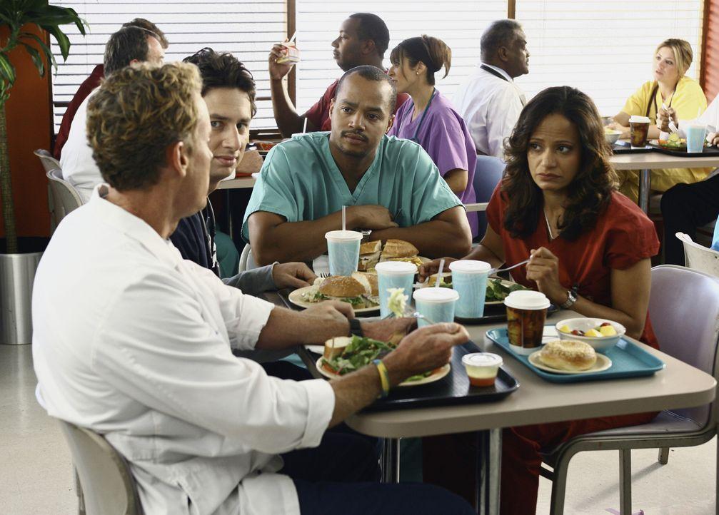 Dr. Cox (John C. McGinley, l.) ist äußerst beunruhigt, denn er findet einen Patienten sympathisch. Turk (Donald Faison, 2.v.r.), Carla (Judy Reyes,... - Bildquelle: Touchstone Television