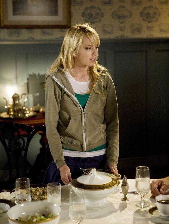 Grace (Megan Park) ist die Meinung ihrer Eltern sehr wichtig... - Bildquelle: ABC Family