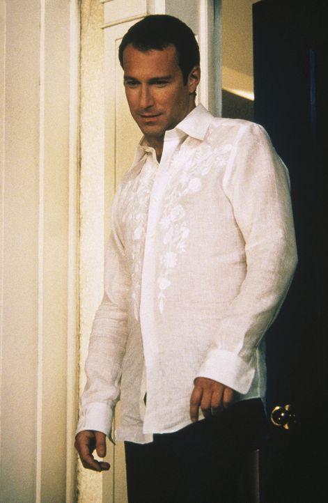 """Nachdem Carrie gezeigt hat, wie ernst es ihr ist, lässt Aidan (John Corbett) sich auf das """"Spiel"""" ein. - Bildquelle: Paramount Pictures"""