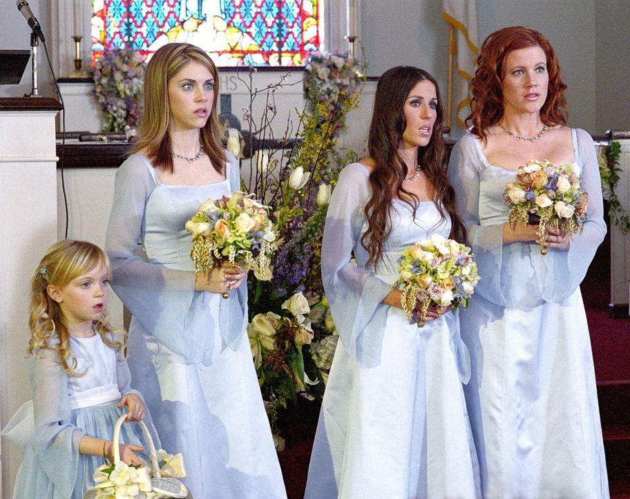 Freuen sich über Sabrinas und Aarons Glück: Amanda (Emily Hart, 2.v.l.), Roxie (Soleil Moon Frrye, 2.v.r.), Morgan (Elisa Donovan, r.) und das Blu... - Bildquelle: Paramount Pictures