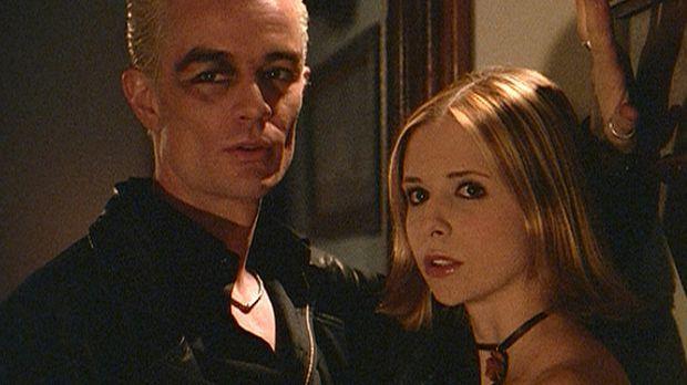 Buffy (Sarah Michelle Gellar, r.) lässt Dawn wieder einmal allein und trifft...