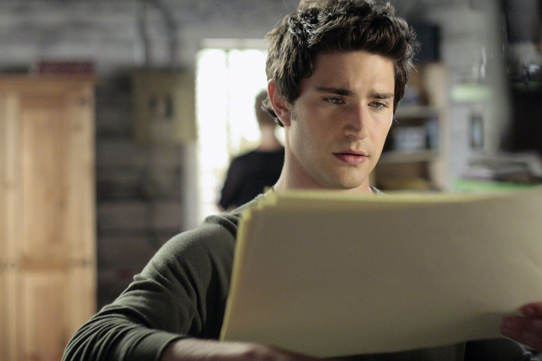 Kyle (Matt Dallas) selbst wird aus den Bildern, die er mitten in der Nacht malt, nicht schlau ... - Bildquelle: TOUCHSTONE TELEVISION