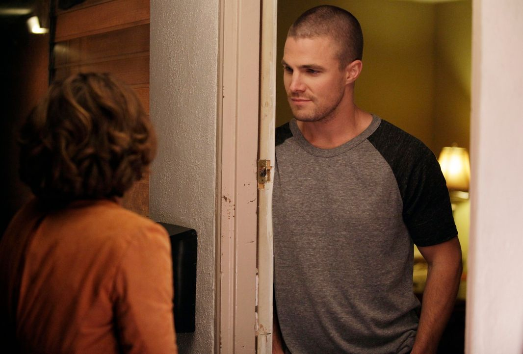 Hat ihre Beziehung eine Chance? Violet (Amy Brenneman, l.) und Scott (Stephen Amell, r.)  ... - Bildquelle: ABC Studios