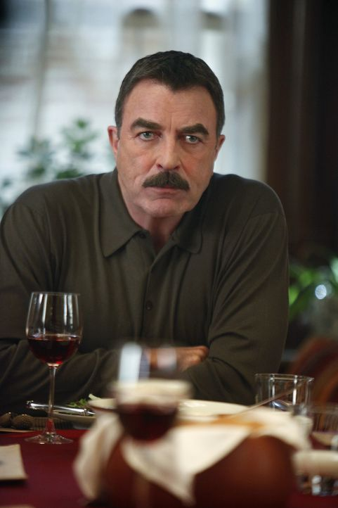 Beim Sonntagsessen kommt es zur offenen Auseinandersetzung zwischen Franks (Tom Selleck) Söhnen Jamie und Danny. - Bildquelle: 2010 CBS Broadcasting Inc. All Rights Reserved
