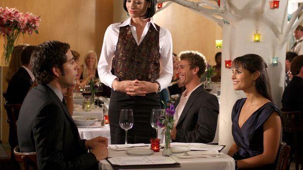 Während einer Messe trifft Chuck (Zachary Levi, l.) seine Ex-Freundin Jill (J...