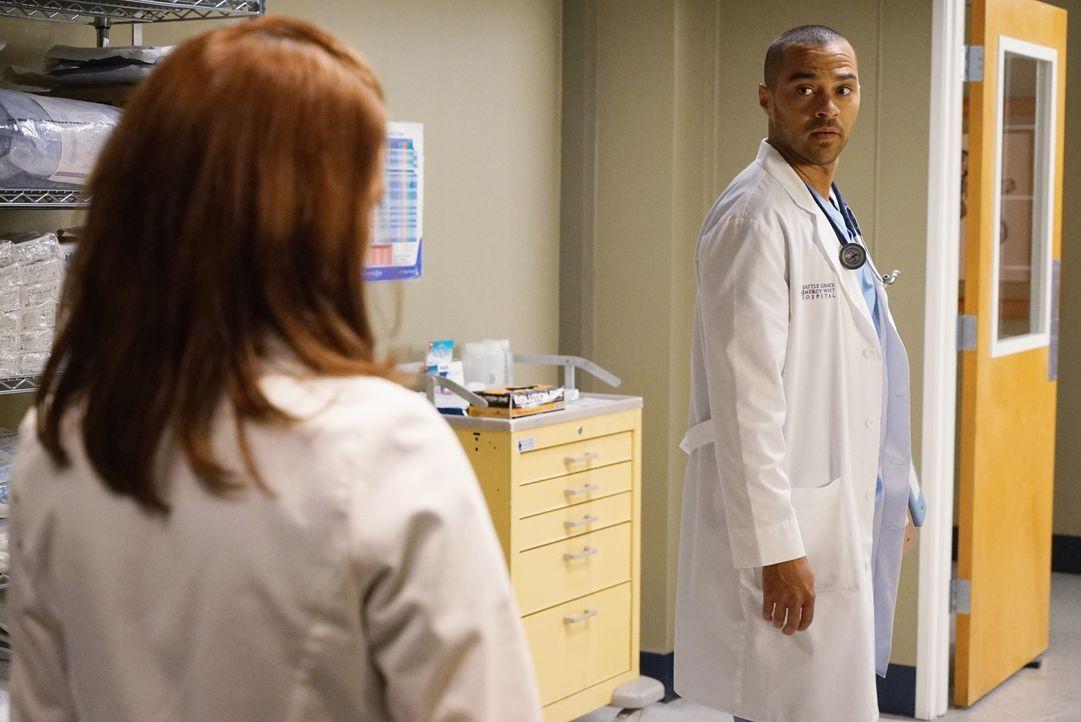 Wie steht es um die Ehe von April (Sarah Drew, l.) und Jackson (Jesse Williams, r.) wirklich? - Bildquelle: Eric McCandless ABC Studios