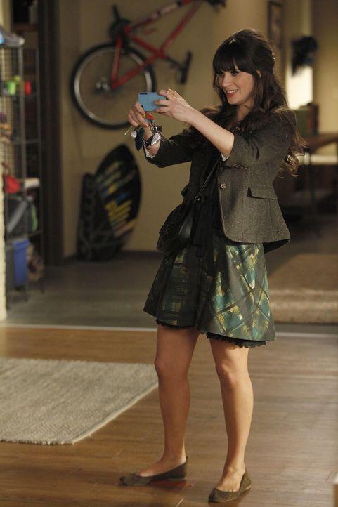 Für ihre Mitbewohner hat Jess (Zooey Deschanel) ein ganz besonderes Weihnachtsgeschenk ... - Bildquelle: 20th Century Fox
