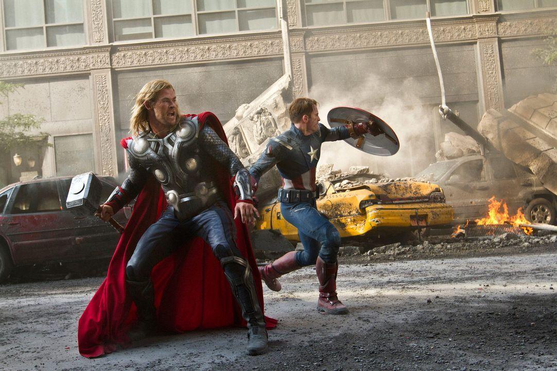 the-avengers-extra-046-2011-mvlffllc-tm-2011-marveljpg 2000 x 1333 - Bildquelle: 2011 MVLFFLLC TM & 2011 Marvel
