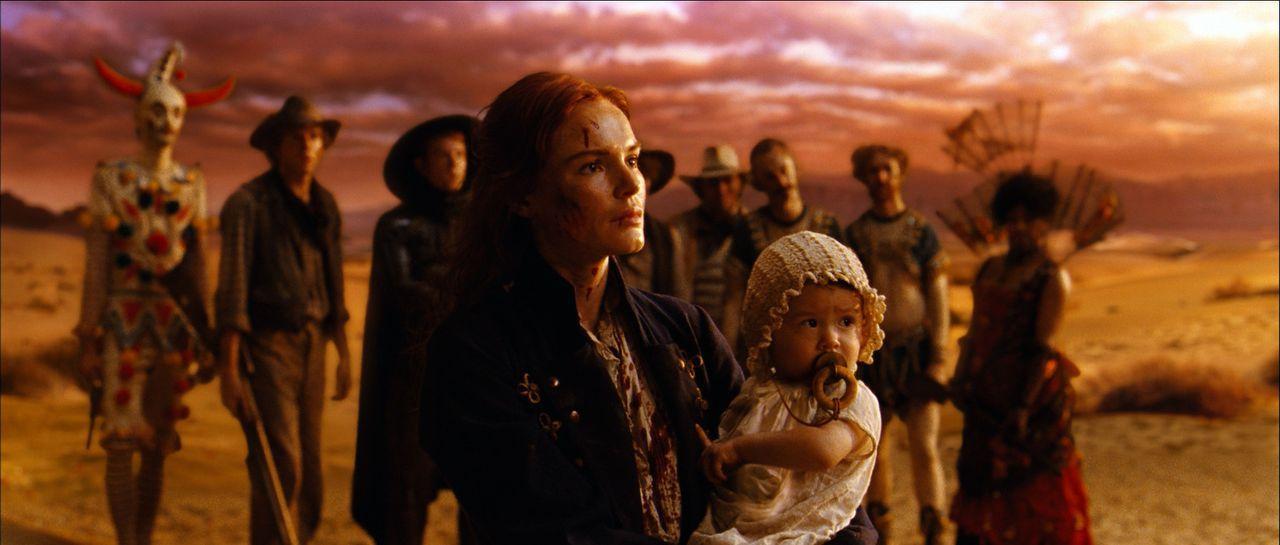 Die mutige und im Kampf versierte Lynne (Kate Bosworth) hat mit dem hinterhältigen Colonel noch ein Hühnchen zu rupfen. Eines Tages entbrennt zwis... - Bildquelle: 2010 Laundry Warrior Ltd. All Rights Reserved.