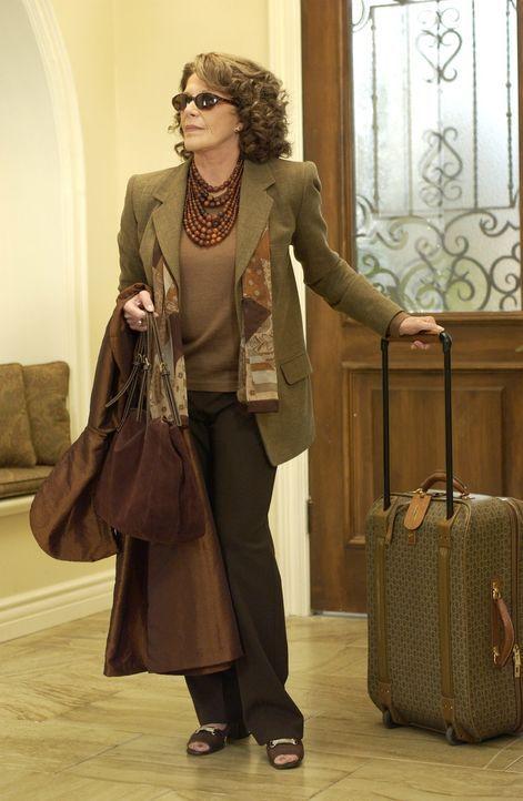 Da sich Nana (Linda Lavin), Sandys Mutter, zu einem Besuch angekündigt hat, herrscht Unruhe im Hause Cohen ... - Bildquelle: Warner Bros. Television