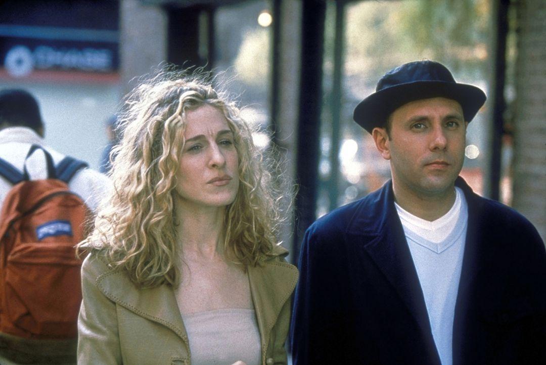 Carries (Sarah Jessica Parker, l.) schwuler Freund Stanford (Willie Garson, r.) kann ein Lied von seinen Problemen singen ... - Bildquelle: Craig Blankenhorn 1998 HBO