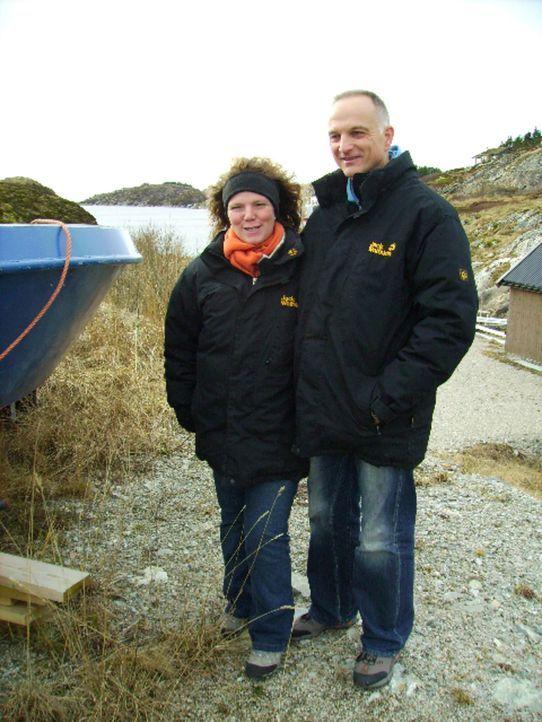 Abtauchen in Norwegen - Birgit (l.) und Frank (r.) starten durch ... - Bildquelle: kabel eins
