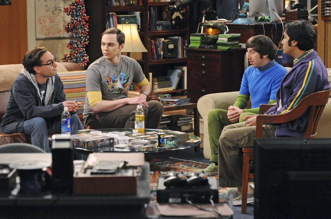 Howard (Simon Helberg, 2.v.r.) hat aufregende Neuigkeiten für seine Freunde Sheldon (Jim Parsons, 2.v.l.), Raj (Kunal Nayyar, r.) und Leonard (Johnn... - Bildquelle: Warner Bros. Television
