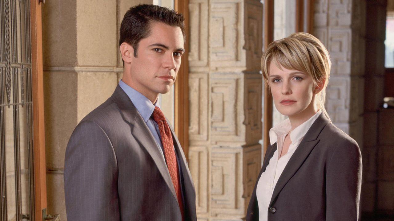 Cold Case - die Darsteller - Kathryn Morris und Danny Pino - Bildquelle: Warner Bros Entertainment