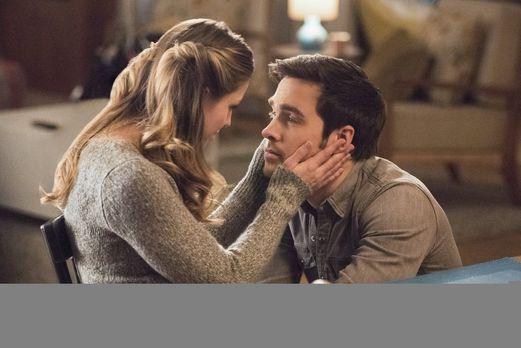 Reicht es Kara (Melissa Benoist, l.) zum Glücklichsein aus, Mon-El (Chris Woo...