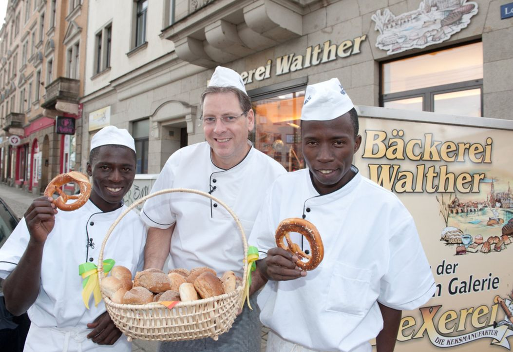 Afrikaner oder Deutsche - wer backt die leckersten Brötchen? - Bildquelle: kabel eins