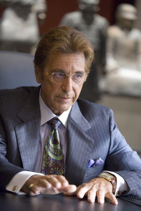 Hat einen von den Ocean's 13 mächtig übers Ohr gehauen und wird nun wohl oder übel dafür büßen müssen: Casinobesitzer Willy Bank (Al Pacino) ...... - Bildquelle: TM &   Warner Bros. All Rights Reserved