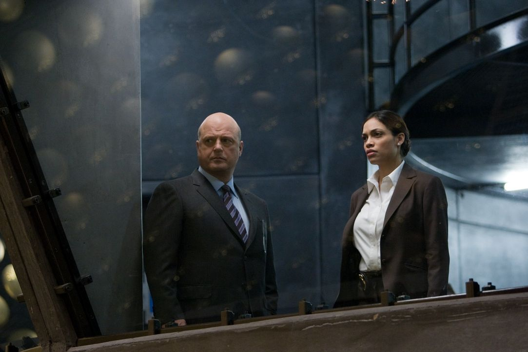 Unterstützt FBI Agenten Morgan eher widerwillig: Air Force Special Agent Zoe Perez (Rosario Dawson, r.) ... - Bildquelle: Paramount Pictures International
