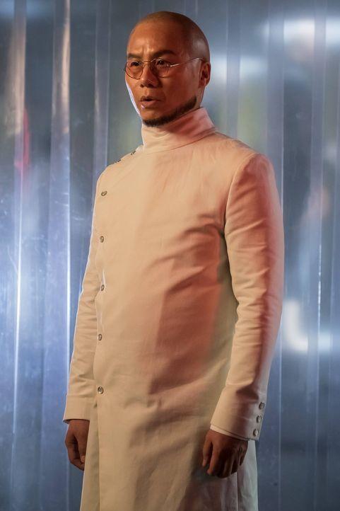 Führt weiterhin seine Experimente durch: Dr. Strange (B.D. Wong) ... - Bildquelle: Warner Brothers