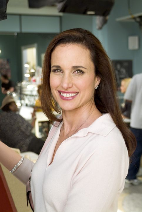 Terri (Andie MacDowell) ist eine treue Kundin des Beauty Shop. - Bildquelle: 2005 METRO-GOLDWYN-MAYER PICTURES INC. ALL RIGHTS RESERVED.