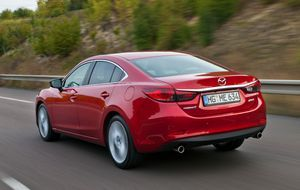 Mazda6_Sedan_2012_Paris_action_16__jpg300 5616 x 3744
