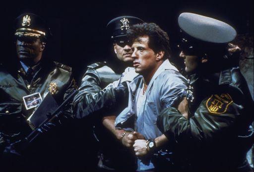 Lock up - Sechs Monate vor seiner Entlassung wird der Häftling Frank Leone (S...