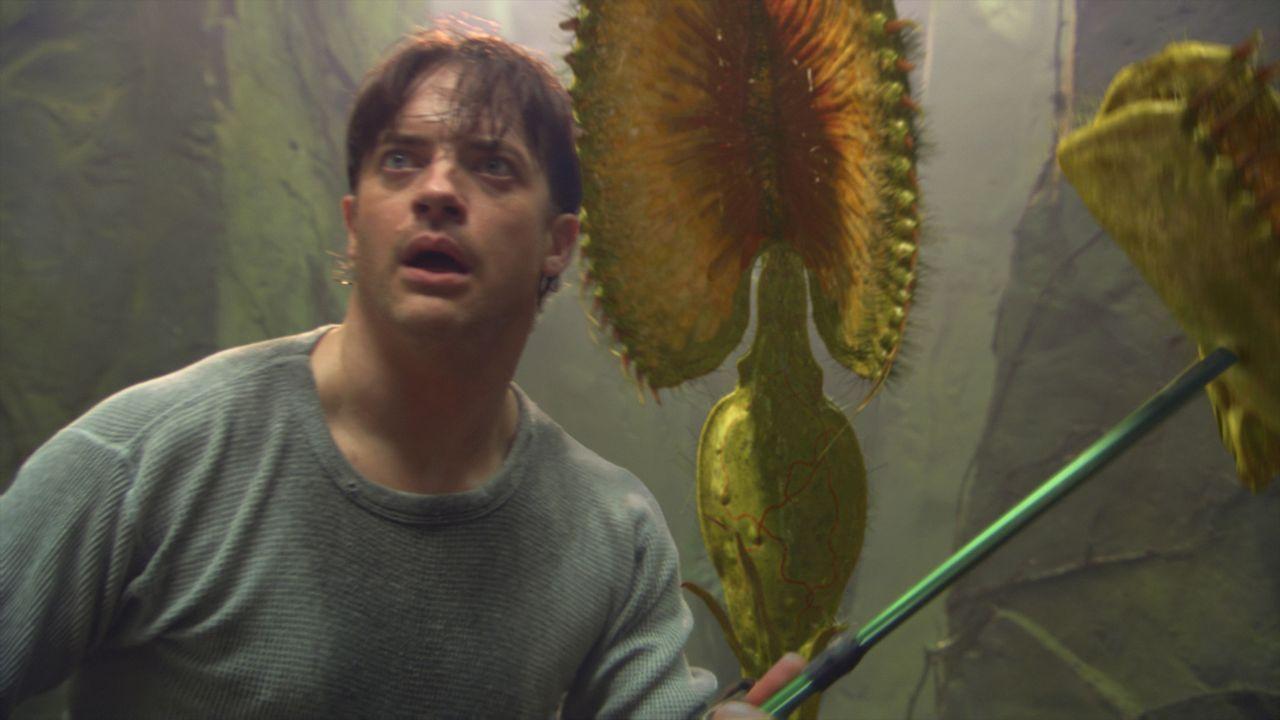 Muss sich mit fleischfressenden Pflanzen herumschlagen: Vulkanologe Trevor (Brendan Fraser) ... - Bildquelle: 2007 New Line Productions, Inc. and Walden Media, LLC.