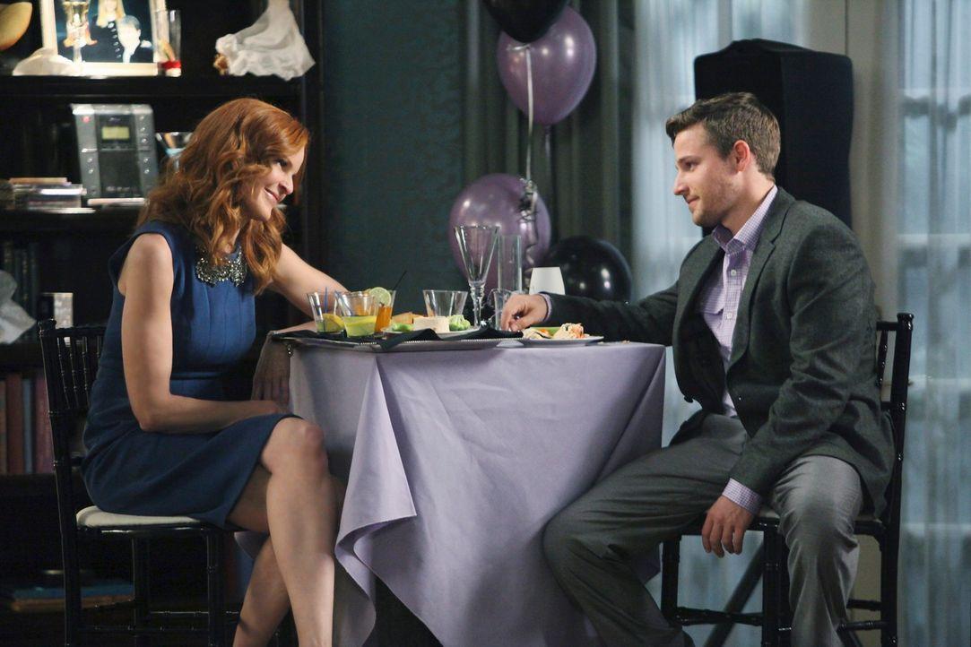 Bree (Marcis Cross, l.) ist mehr als misstrauisch, als ihr Sohn Andrew (Shawn Pyfrom, r.) überraschend verkündet, dass er wieder heiraten werde, wäh... - Bildquelle: ABC Studios