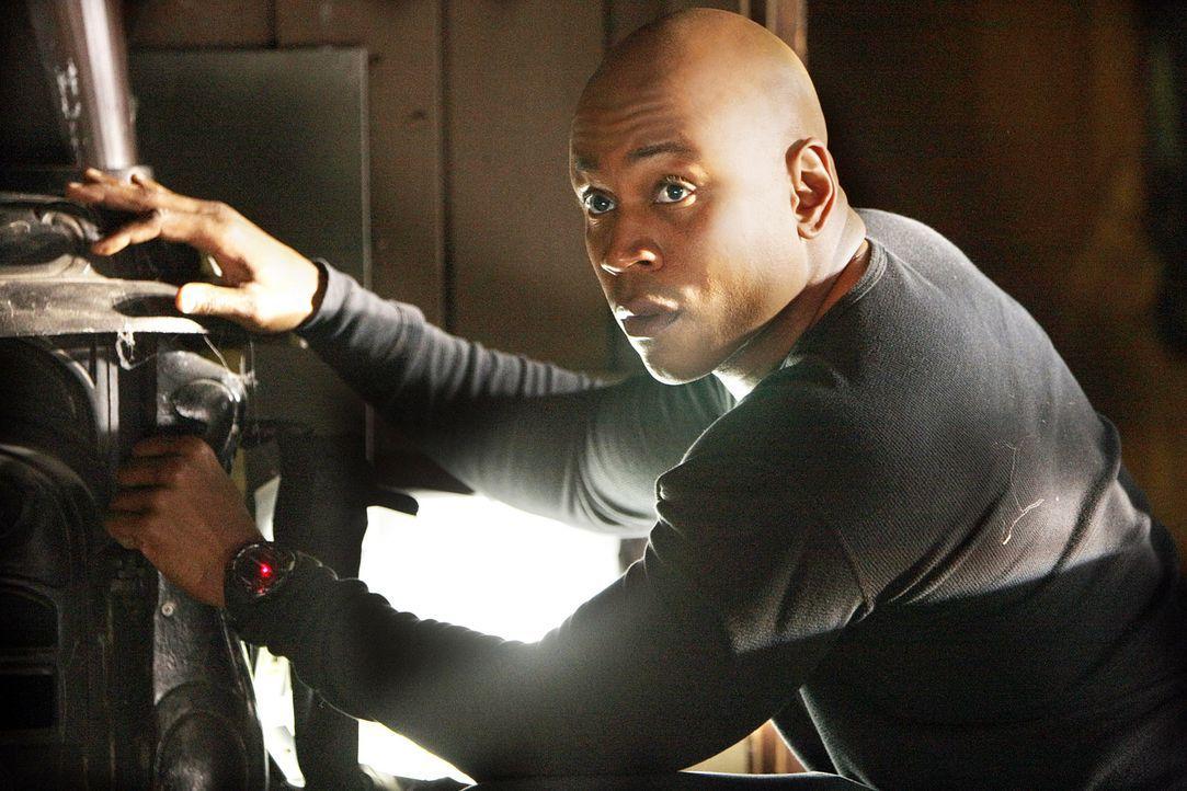 Setzt sein Leben aufs Spiel um seinen Kollegen zu retten: Special Agent Sam Hanna (LL Cool J) ... - Bildquelle: CBS Studios Inc. All Rights Reserved.