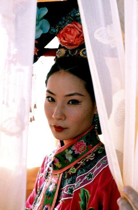 Weil die wunderschöne Prinzessin Pei Pei (Lucy Alexis Liu) keinen fetten Höfling heiraten will, flieht sie nach Amerika. Dort fällt sie allerding... - Bildquelle: SPYGLASS ENTERTAINMENT GROUP, LP