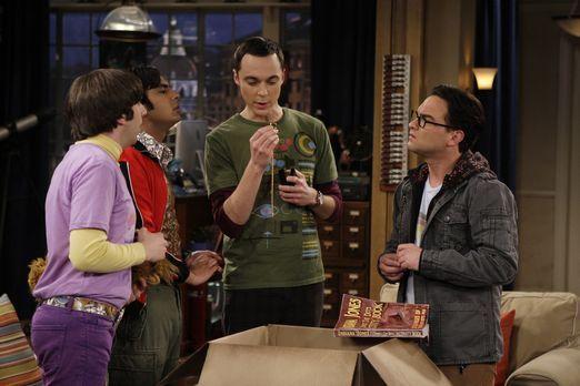 The Big Bang Theory - Leonard (Johnny Galecki, r.), Sheldon (Jim Parsons, 2.v...