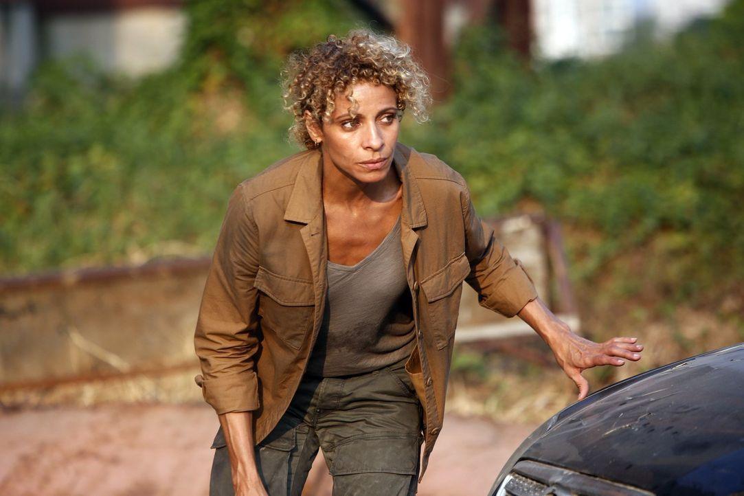 Kann Shepherd (Michelle Hurd) ihren Häschern noch entkommen? - Bildquelle: 2016 Warner Brothers