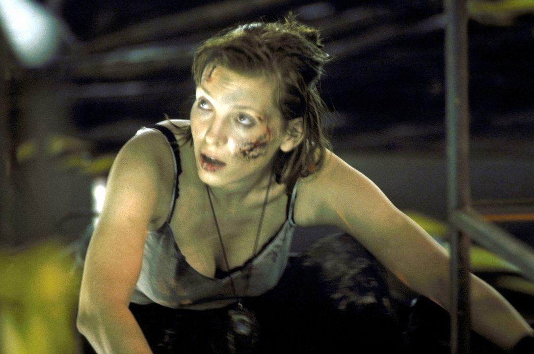 Mission impossible: Lucky (Stephanie Philipp), Expertin für Zeitzünderbomben ... - Bildquelle: Jiri Hanzl