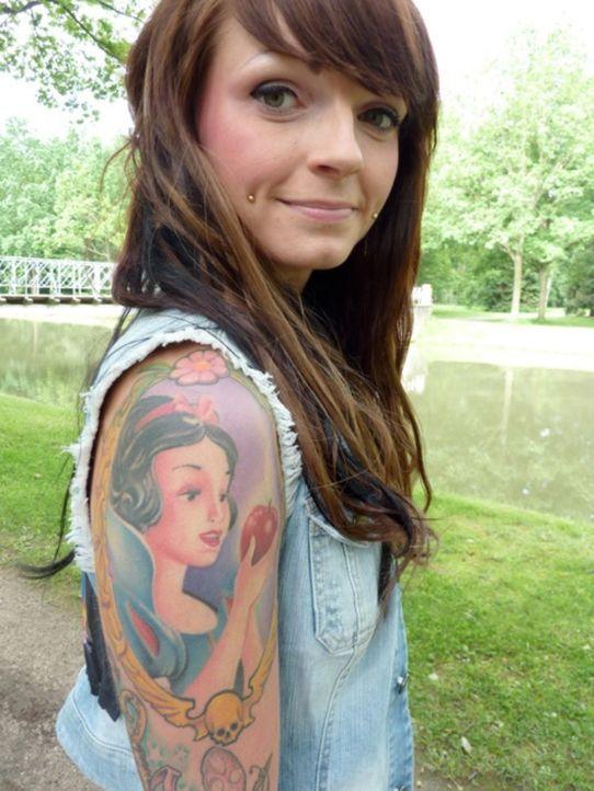 Schön ist, was gefällt: Die 21-jährige Ronja steht auf Tätowierungen. - Bildquelle: SAT.1