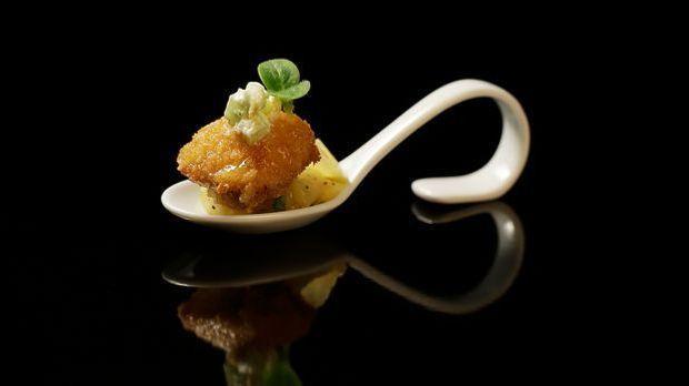 The-Taste-Stf01-Epi02-1-Wiener-Schnitzel-Felicitas-Then-01-SAT1